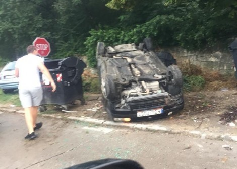Кола се обърна по таван край Варна