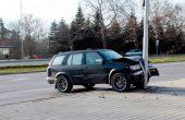 18-годишен заби кола в стълб на бул.