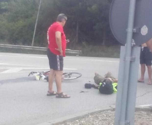 Читател на Будна Варна: микробус помете колоездач