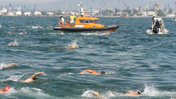 1000 души ще преплуват 1000 метра на 4 август