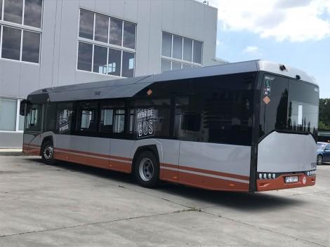 Показаха модел на модерен хибриден автобус