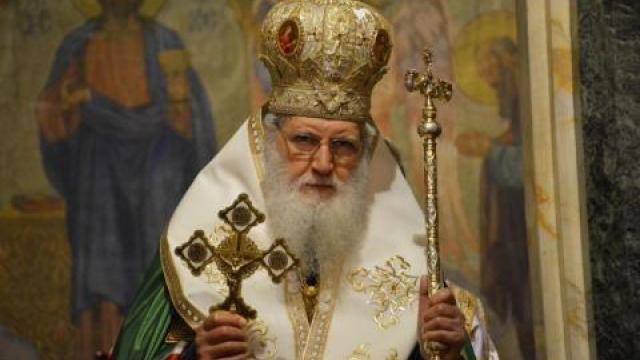 Патриарх Неофит пристига във Варна