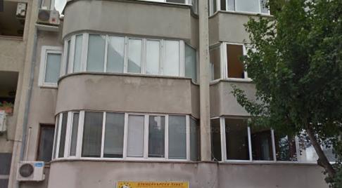 Читател на Будна Варна: луд пенсионер псува от прозореца си минувачите