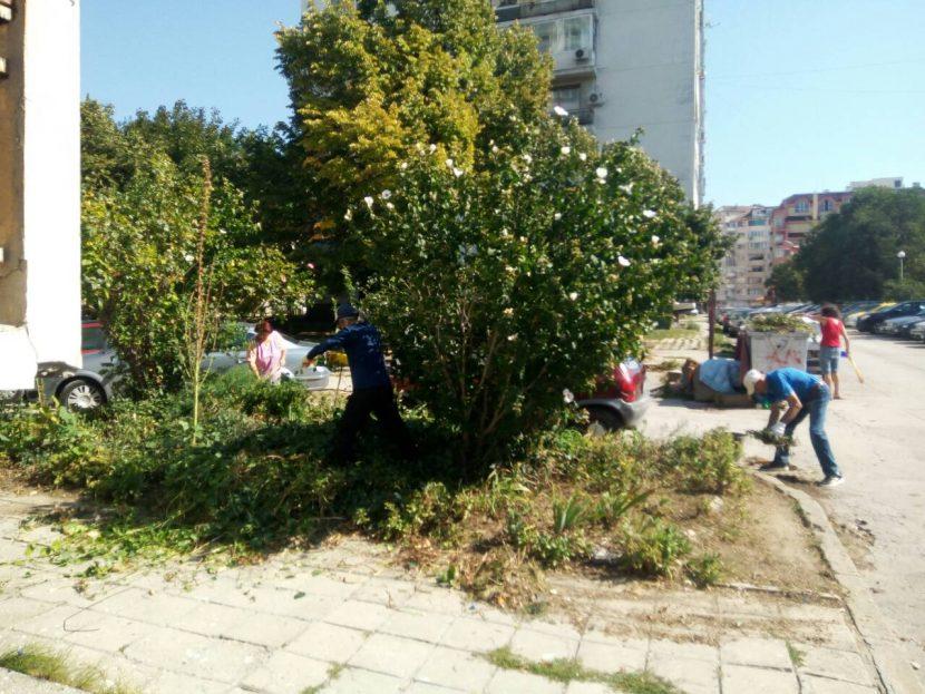 """Над 1500 варненци се включиха в кампанията """"Да изчистим България заедно"""""""