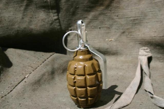 Взривоопасен боеприпас откриха пред жилищен блок в Девня, отцепиха района