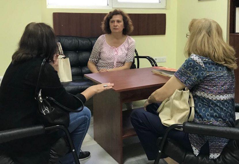 Учители потърсиха съдействието на народния представител Таня Петрова
