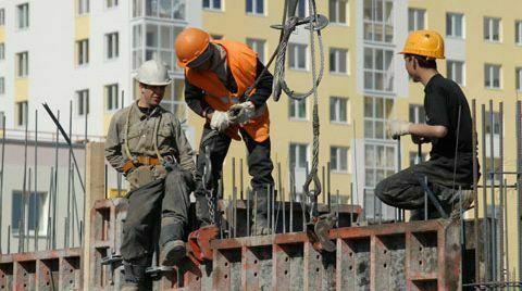 Бизнесът алармира: Трябва внос на работници