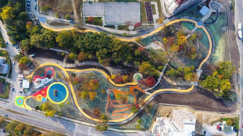Възраждане се сдобива с модерен парк (снимки)