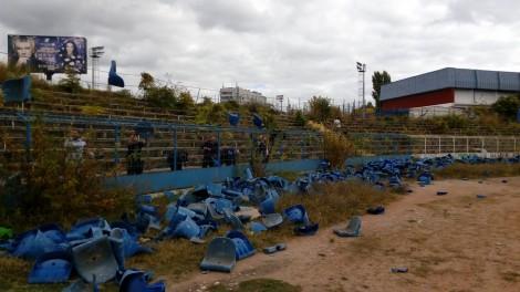 """Премахнаха седалките на стадион """"Спартак"""""""