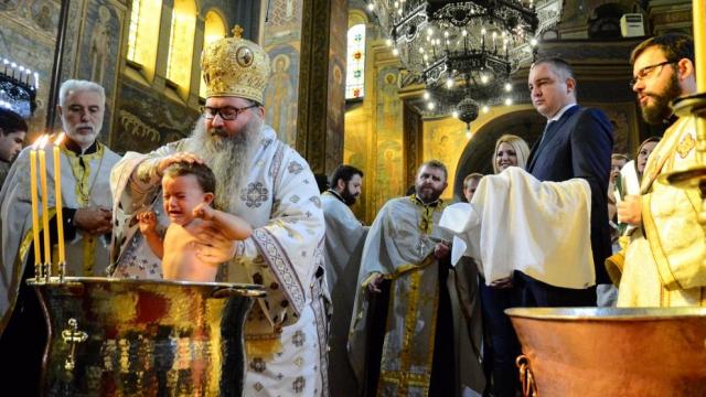 Варна пак е част от кампанията за масово Свето кръщене на бебета