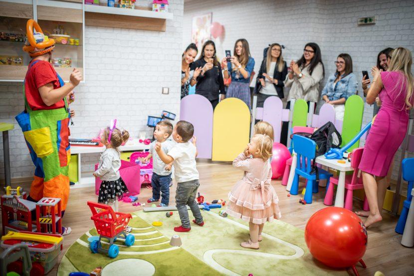 Най- новият развлекателен детски кът във Варна отвори врати на 5 октомври с един много специален рожден ден и прикова погледитe на родители и гости!