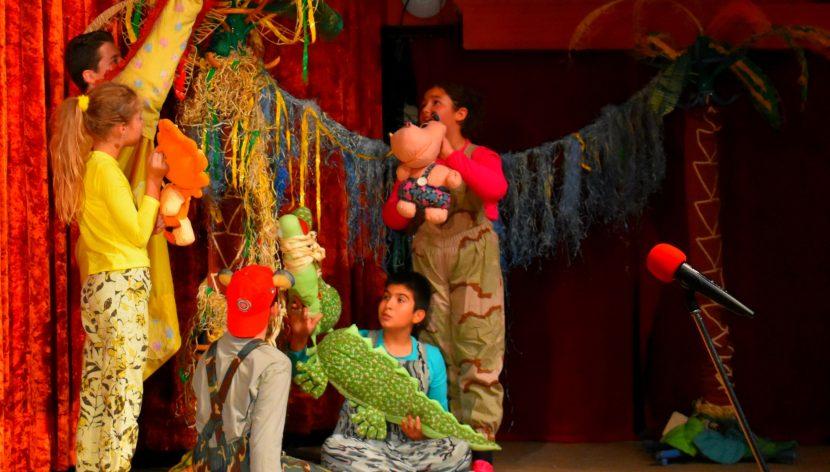 """Куклен театър """"Палечко"""" отпразнува своята 25-та годишнина с голям спектакъл във Фестивален и конгресен център"""