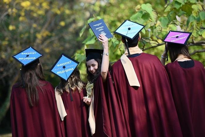 Нови 155 лекари се дипломираха във Варна