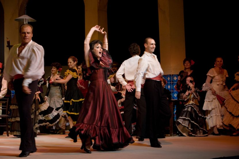 """Операта """"Кармен"""" гледаме днес на варненска сцена"""