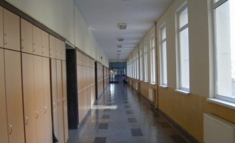 """Седем варненски училища с 228 864 евро – финансиране по програма """"Еразъм+"""""""