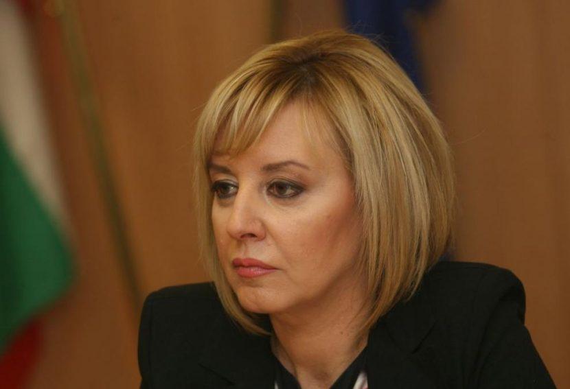 Мая Манолова във Варна: Държавата трябва да обезщети собствениците на евтаназирани прасета от Тутраканци