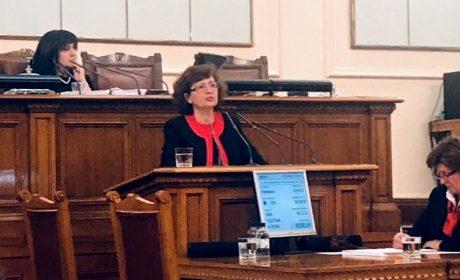 Таня Петрова, народен представител от ГЕРБ: Бюджет 2019 гарантира по-високи доходи и повече инвестиции в образователната система