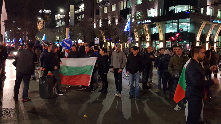 Партии яхнаха протеста във Варна, варненци разочаровани