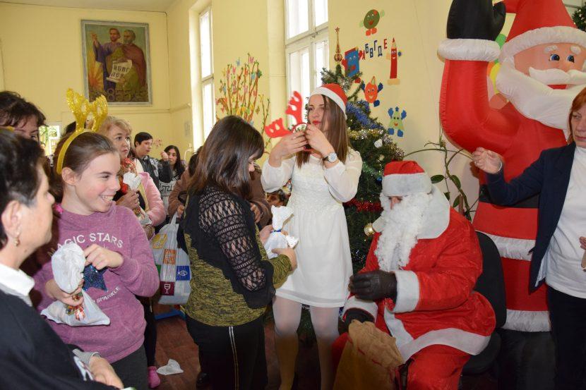 ЦСОП – Варна посрещна Дядо Коледа