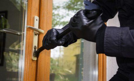 Разкриха крадец на пари от жилища във Варна