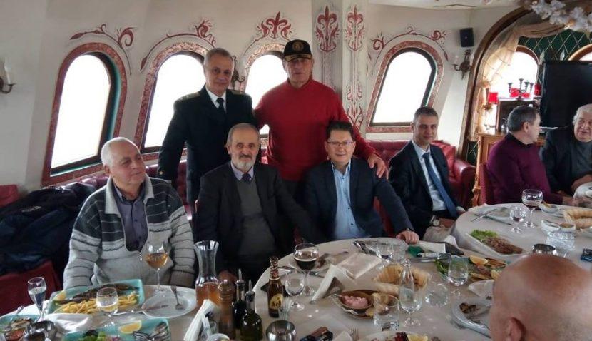 Иван Василев празнува имен ден с приятели