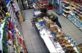 Хванаха криминално проявена жена да краде от магазин