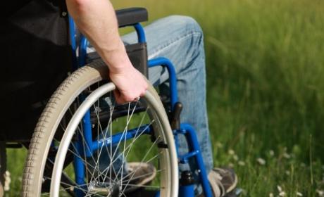 Във Варна консултират хората с трайни увреждания за новия начин, по който ще им се изплаща помощта