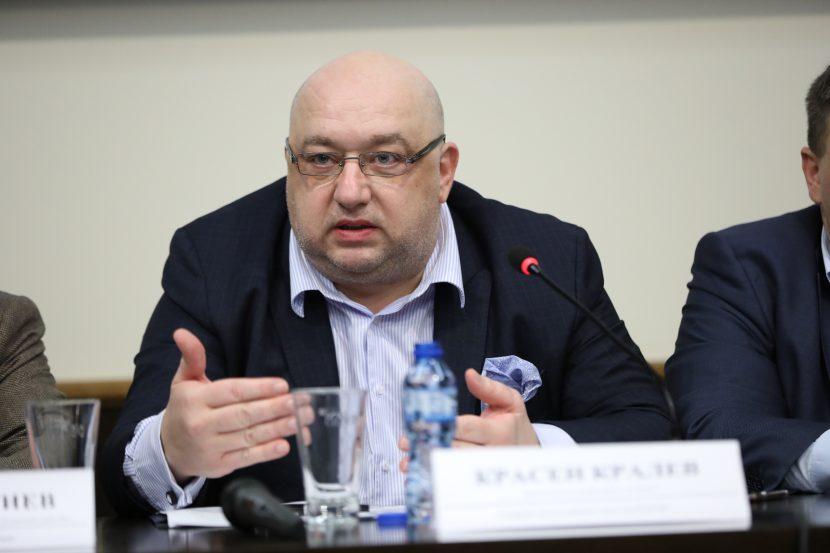 Министър Кралев: Участвайте в изработването на нова Национална стратегия за младежта