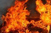 Евакуираха 13 души заради пожар в Аксаково