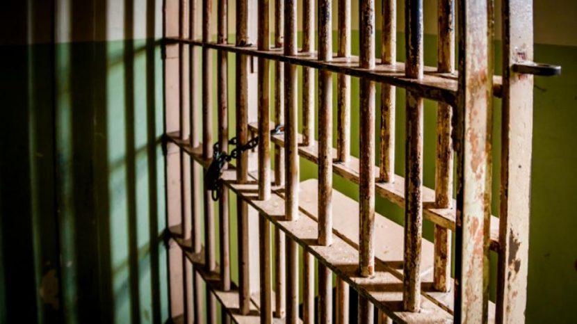 Опасен рецидивист влиза зад решетките заради опит да търгува с дрога в затвора