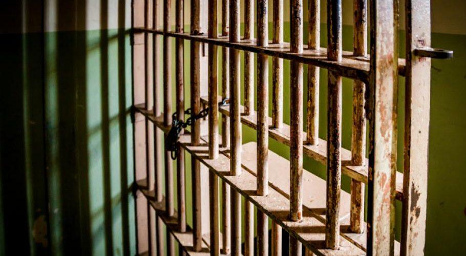 Затвор за рецидивист, нападнал продавачка след кражба във Варна
