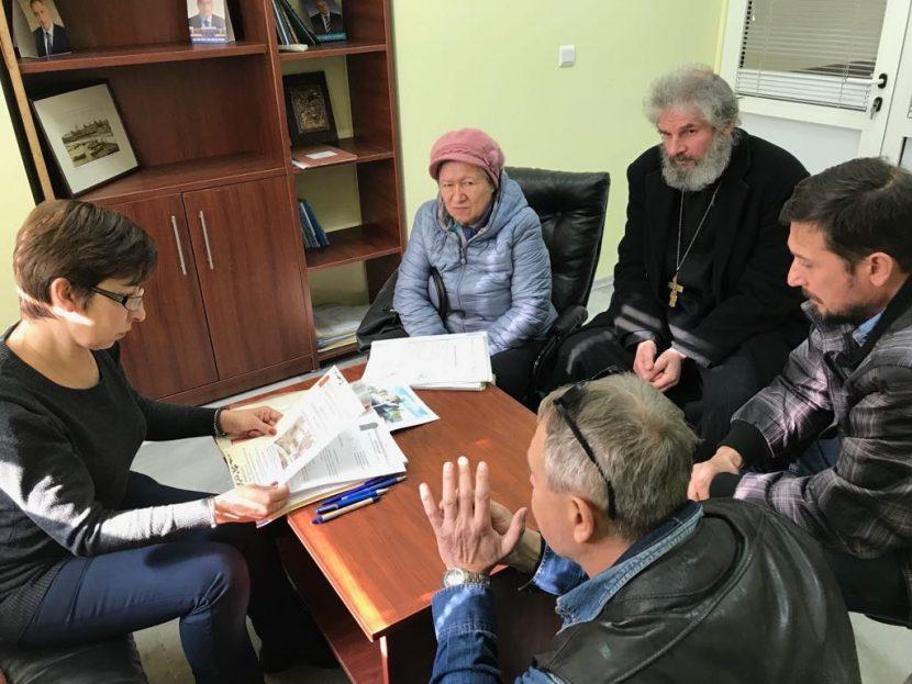 Потърсиха съдействието на Нели Петрова за изграждането на нова църква и метох във Варна