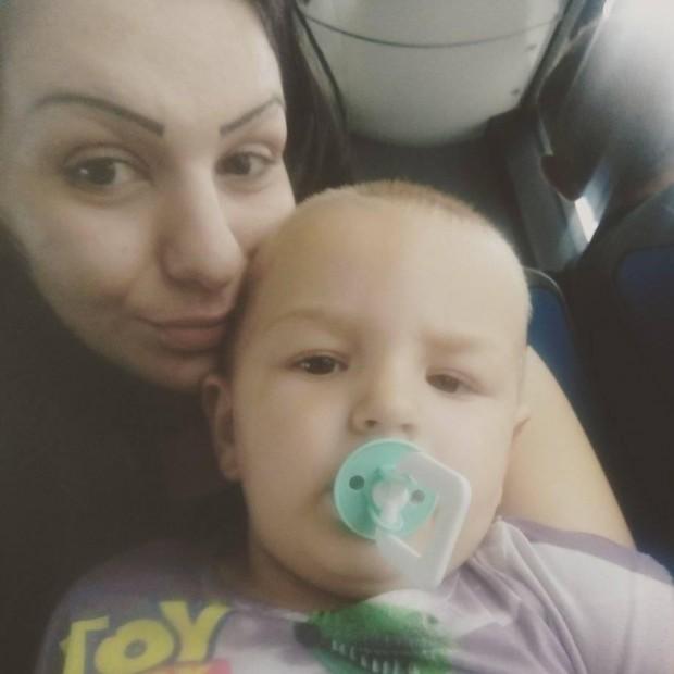 Ужас във варненски автобус: Пиян мъж нападна с юмруци 2-годишно момченце
