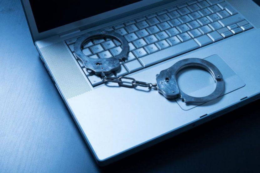 Мъж задигна лаптоп от магазин във Варна и плати наема си с него