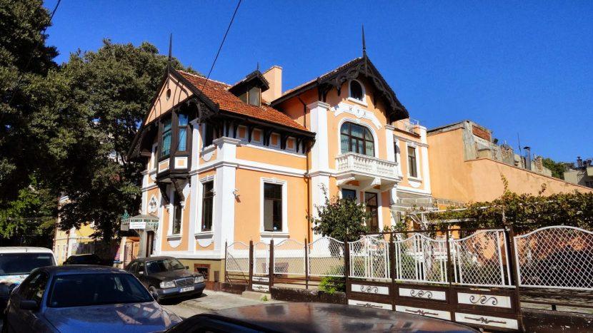 Нов опит да продадат къщата на някогашния варненски кмет Златан Бръчков