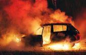 Автомобил горя във Варна