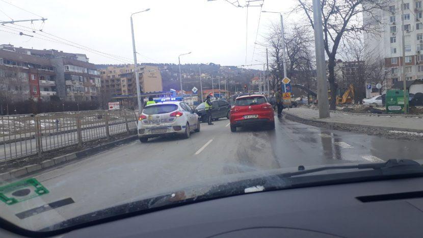 """Читател на Будна Варна: катастрофа блокира бул. '3 март"""""""