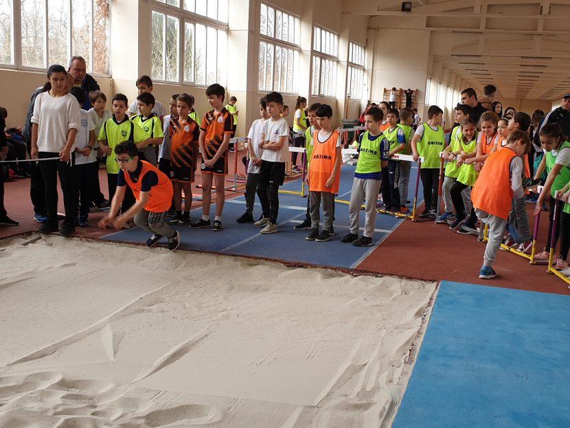 Над 160 деца участваха в състезанията по лека атлетика