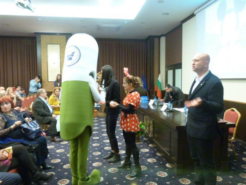 """Представиха 3D принтирани таблетки на първата международна педиатрична  конференция """"Заедно за децата на България!"""""""