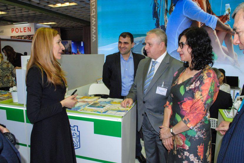 Посланик и министър посетиха щанда на Община Варна на туристическата борса в Берлин