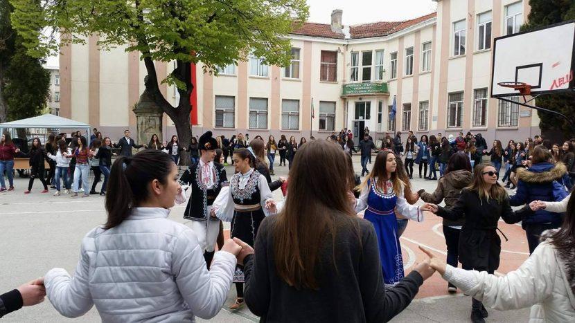 Варненската търговска гимназия отбелязва 115-тата си годишнината