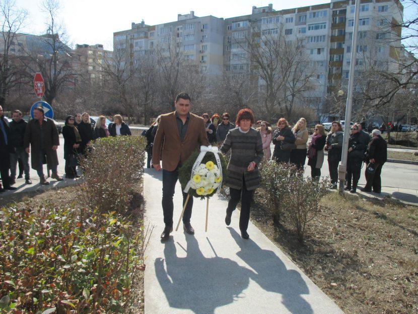 """В район """"Приморски"""" се поклониха пред руски герои"""