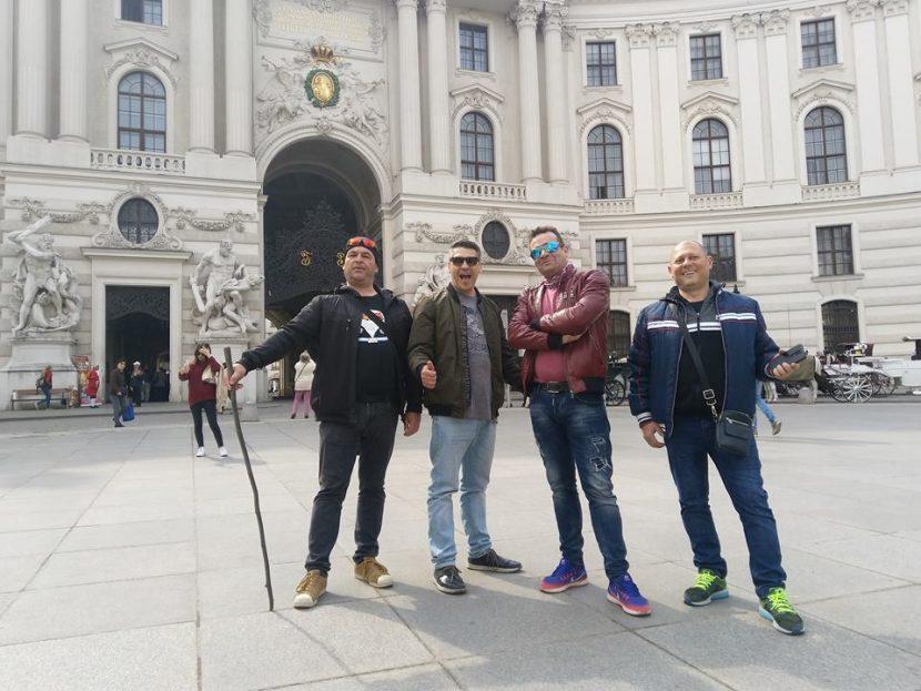 Европа се смее и забавлява с Тутурутка (снимки)