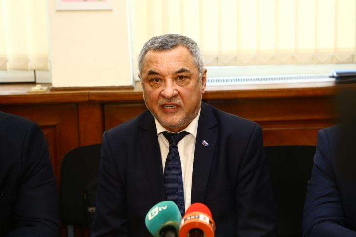 Валери Симеонов посочи кое ще е пагубно за България!