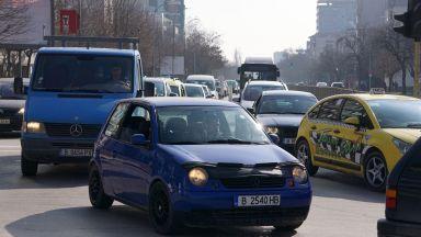 """Тапи на кръговите движения мъчат варненци, новия булевард """"Левски"""" празен"""