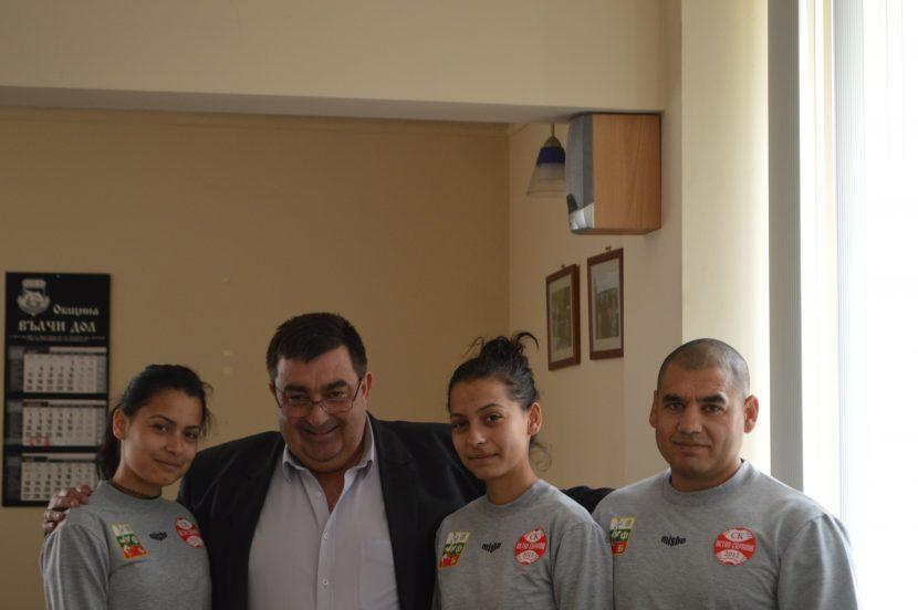 Георги Тронков поздрави и награди състезателките по Свободна борба