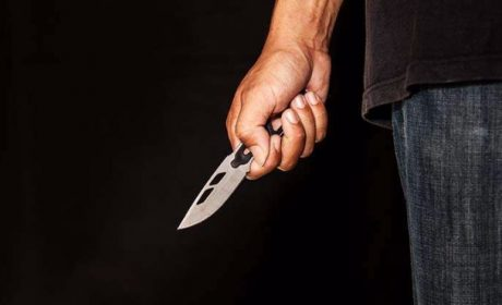 Мъж прободе жена си нож, не искала цветя и пръстен