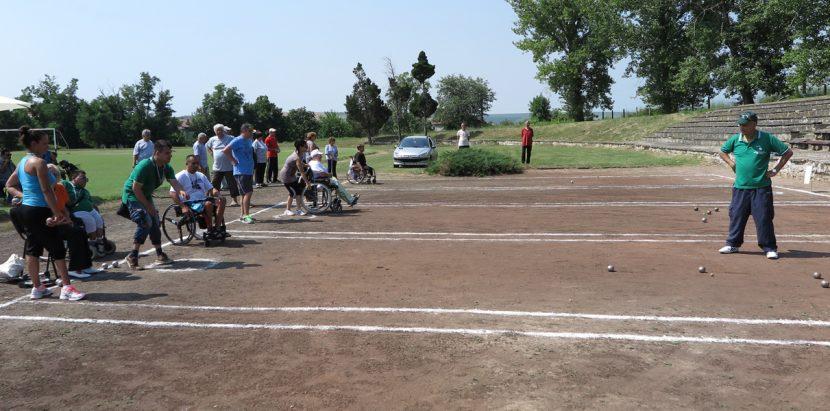 Варна е домакин на турнир по дартс и петанк за хора с увреждания