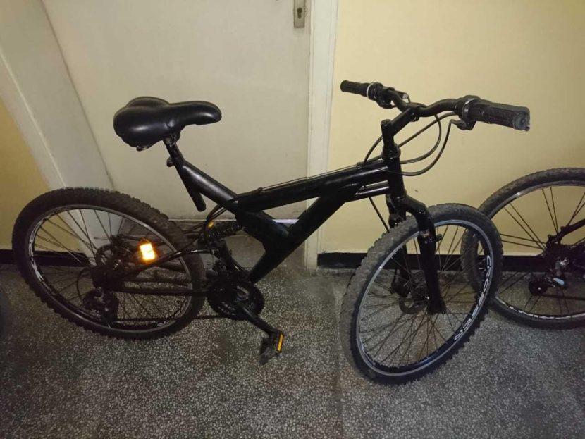 Двама задигнаха велосипеди от двор във Варна