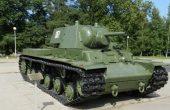 Абитуриент от морската гимназия ще пристигне с танк за бала